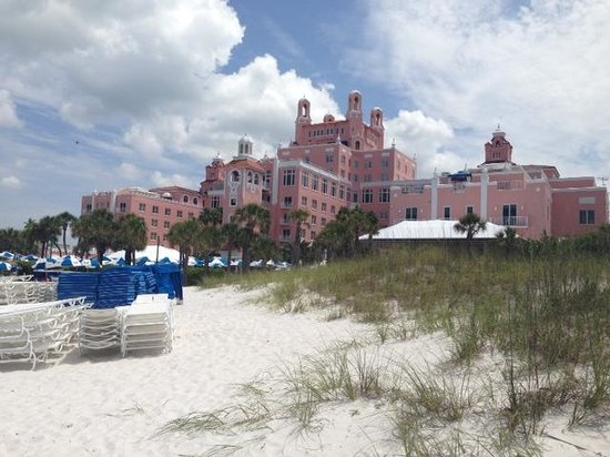 The Don CeSar : Front