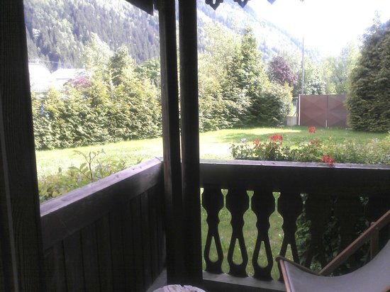 "Mercure Chamonix Centre Hotel : Garden's view from the Balcony - ""Privilège"" room"