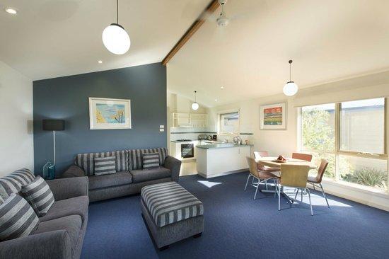 West Beach, Australia: Deluxe Bungalow interior