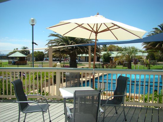 Adelaide shores resort updated 2018 hotel reviews price for Pool show adelaide