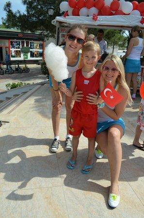 Euphoria Palm Beach Resort: The friendly staff