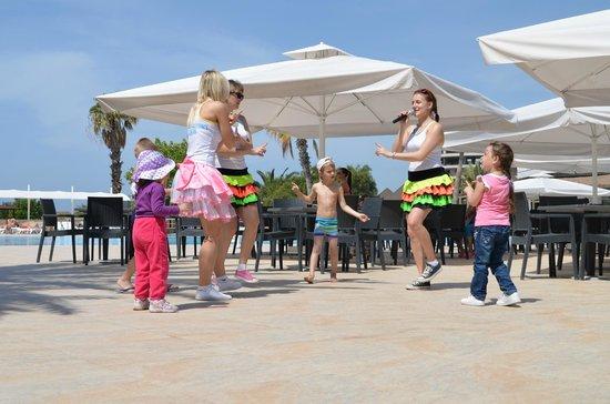 Euphoria Palm Beach Resort: children's activities from morning