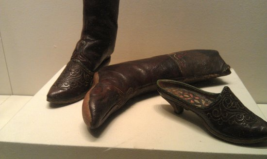 Xinjiang Regional Museum (Qu Bowuguan): Boots