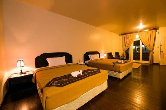 Raintree Beach & Golf Resort: Chalet (Interior)