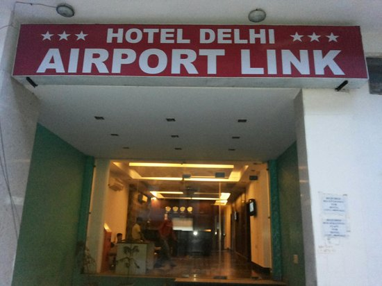 Hotel Airport Link: Main entrance