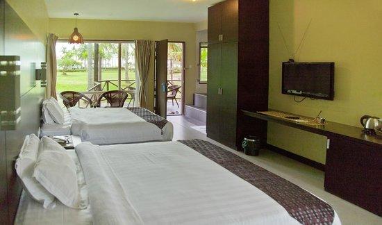 Raintree Beach & Golf Resort: Villa (interior)