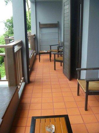 Krabi Cha-Da Resort: Connecting Balcony!