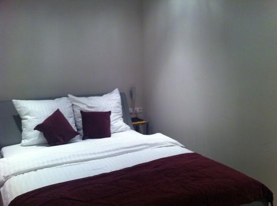 Platinum Apartments: cama