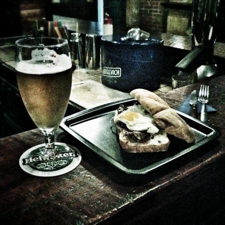The Well's Pub : Il famoso panino l'english breakfast