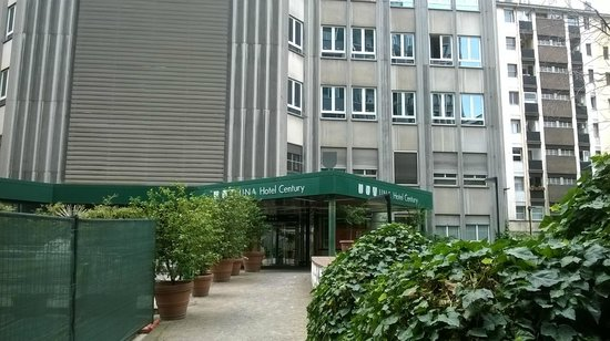 UNA Hotel Century: Entree