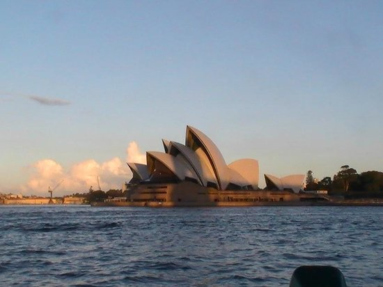 Shangri-La Hotel Sydney: The Rocks view, just 10 Min walk