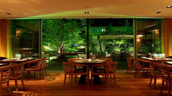 Woods at The InterContinental Hotel: Restaurant Woods