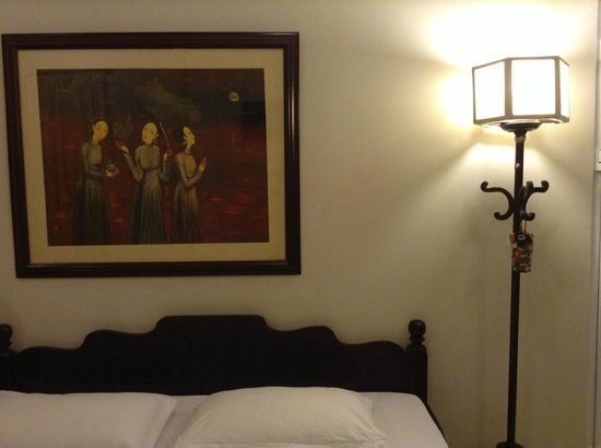 HueNino Hotel: My arty room at Hue Nino Hotel