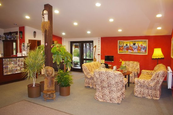 Hotel Safari: Hall