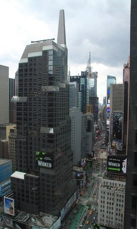 Novotel New York Times Square : daytime view to Times Square