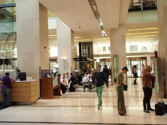 Hilton Sydney : Lobby area