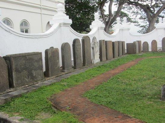 Dutch Reformed Church : Outside