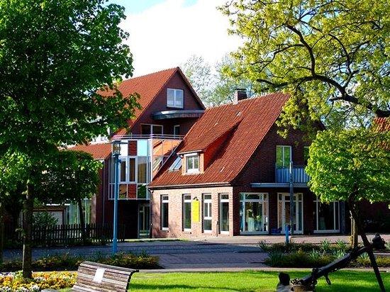 Strandhotel Horumersiel: Das Haus im Zentrum gehört zum Strandhotel
