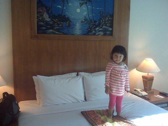Grand Inna Malioboro: the bed