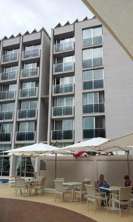 Hotel Tara: Zimmer zum Pool