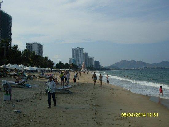 Golden Beach Nha Trang: Это неспокойное море!