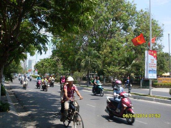 Golden Beach Nha Trang: Весь Вьетнам едет..!