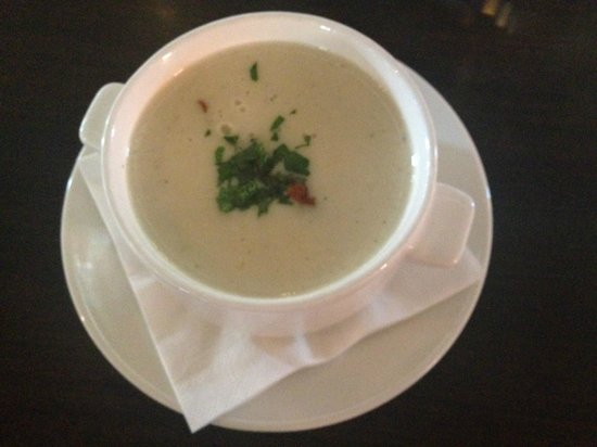 Wine Bar Lofty : chicken cream soup