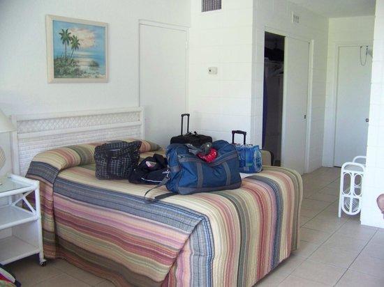 Blue Water Beach Club: room