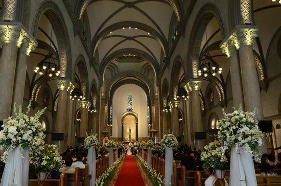 The Regal Aisle Manila Cathedral Wedding Going On