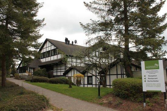 Sporthotel & Resort Grafenwald Daun Vulkaneifel: Vorderansicht Hotelanlage