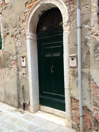 Hotel Bernardi Semenzato: Door to Annex rooms