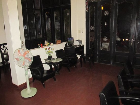 Jade Hotel: Reception area