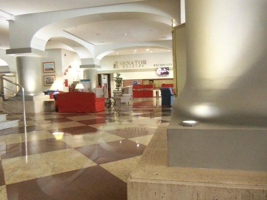 Senator Barcelona Spa Hotel: La grande Reception del Senator
