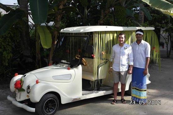 Kuramathi Island Resort: Hochzeitsauto