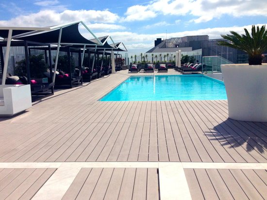 EPIC SANA Lisboa Hotel : Roof top pool