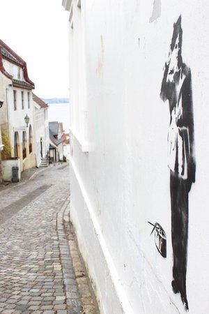 Sandvikstorget: walk to the town