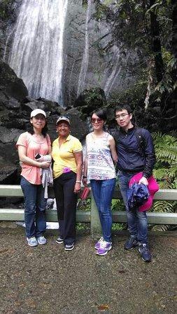 La Coca Falls: The family from China.