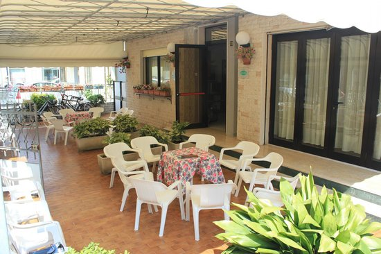 Hotel lorella bewertungen fotos sottomarina italien