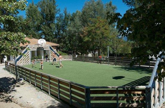 Camping Le Couriou : Terrain de foot