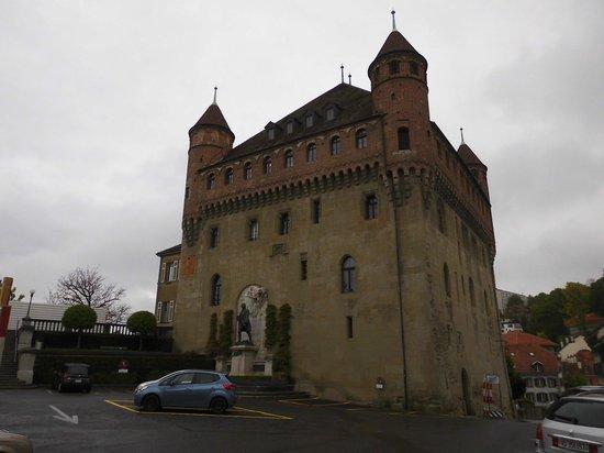 Chateau Saint-Maire : サン・メール城外観