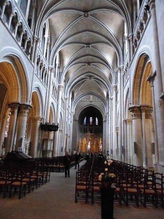 Cathédrale de Lausanne : 大聖堂内部