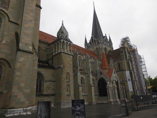 Cathédrale de Lausanne : 工事中の外観