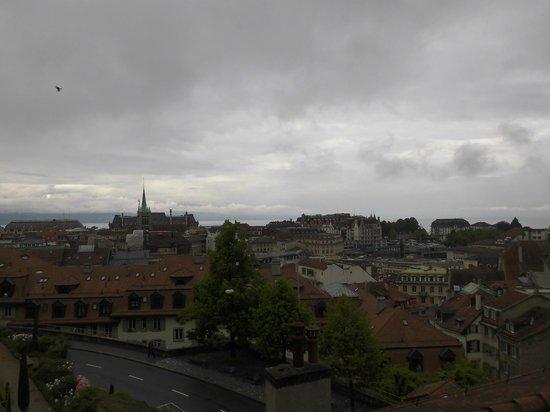 Cathedrale de Lausanne: 教会からのローザンヌ市内の眺め