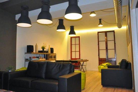 Gracia City Hostel: salon