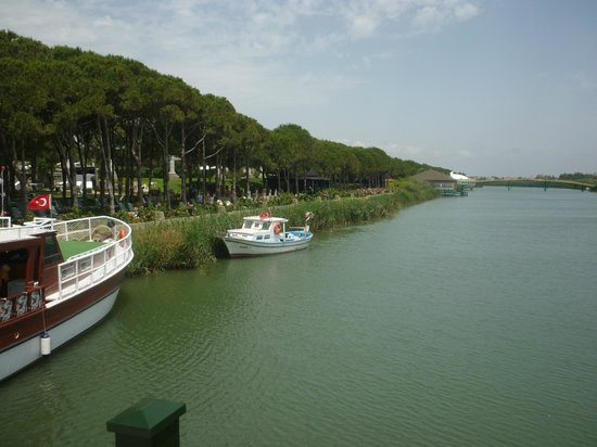 Xanadu Resort Hotel: River