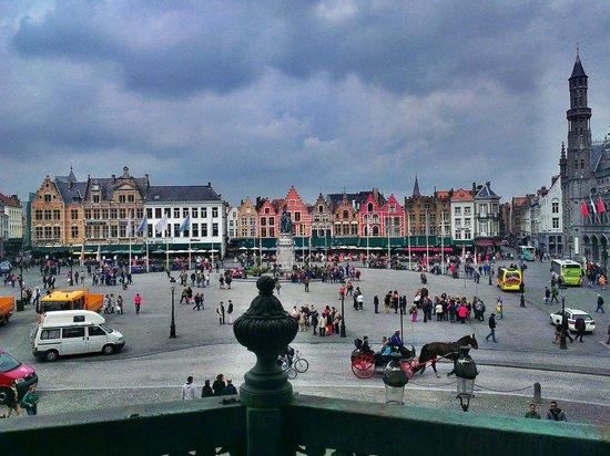Belfort: Вид на главную площадь с колокольни