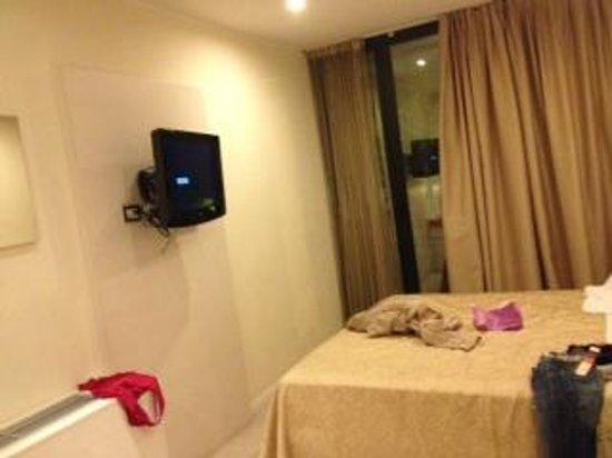 Ferretti Beach Hotel : stanza