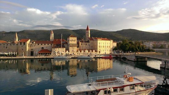 Hotel Vila Sikaa : Blick aus dem Hotel auf die Altstadt von Trogir