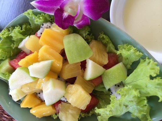 Oriental Kwai Resort: Fresh fruit salad