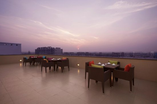 Celesta - Kolkata: The Runway - Open Air Lounge